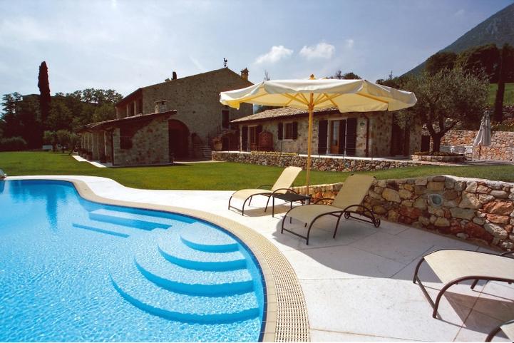 Lovely Ferienwohnung Gardasee Mit Pool Ostufer (2)